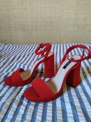 Sandalias tacón rojas