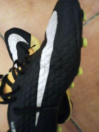 Botas fútbol Nike talla 44, 5