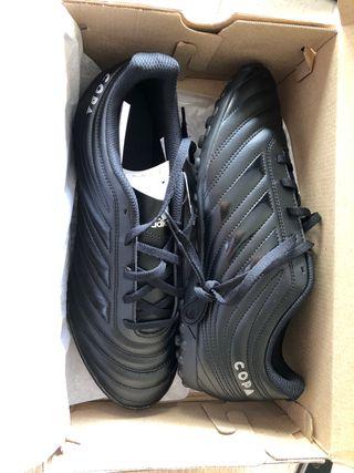 Zapatillas de futbol Adidas modelo Copa multitaco