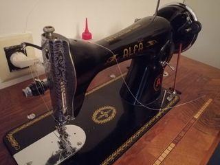 Maquina de coser ALFA S.A.