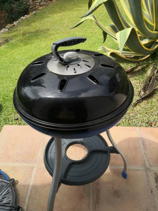 Cadac bbq with complete set of grill pans