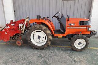 Tractor 4x4 Kubota GT-5