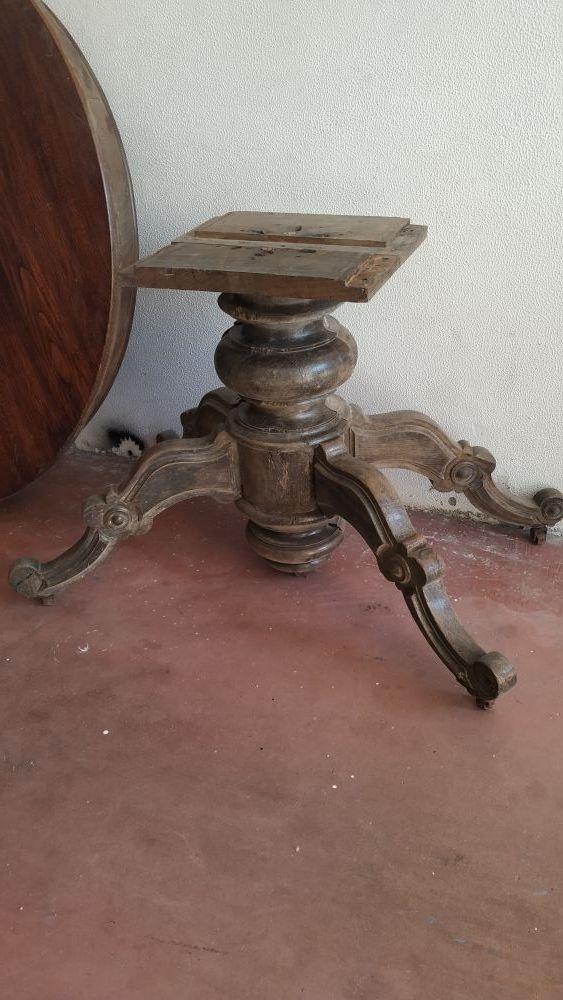 Mesa antigua comedor. Mesa madera castaño maciza.