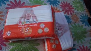 2 paquetes de Pañales Talla 5