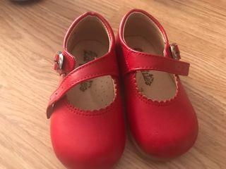 Zapato vestir clásico niña.