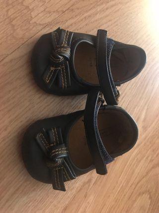 Zapato bebé niña.Talla 17-18