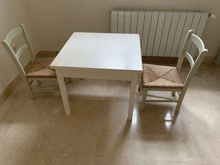 Conjunto mesa y sillas niño madera lacada