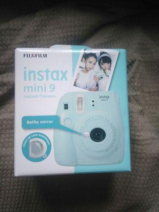 cámara instantánea Fujifilm nueva