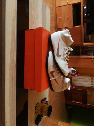 Nike Mercurial 42