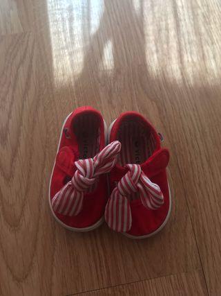 Zapatillas bebé niña