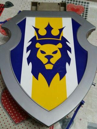 escudo leon playmobil