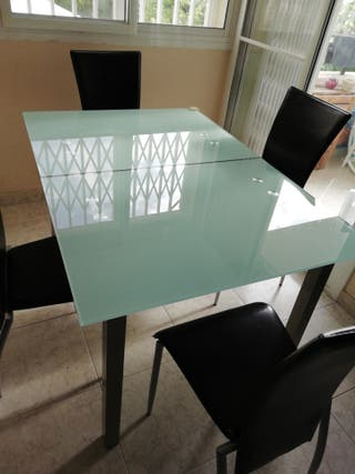 mesa comedor cristal temperado extensible.