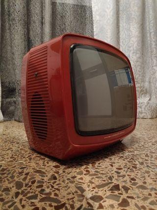 Televisión retro blanco y negro color rojo
