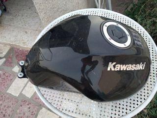 depósito y bomba gasolina Kawasaki er6n