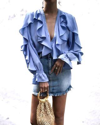 Blusa azul volantes Zara