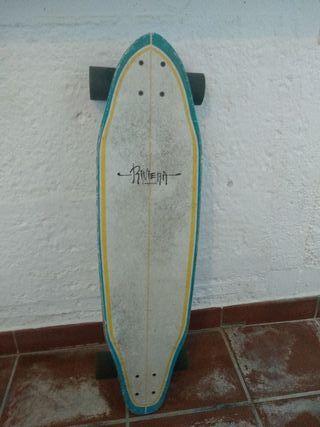 monopatín longboard marca Rivera