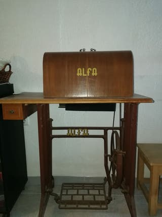 Máquina coser Alfa retro. funciona!