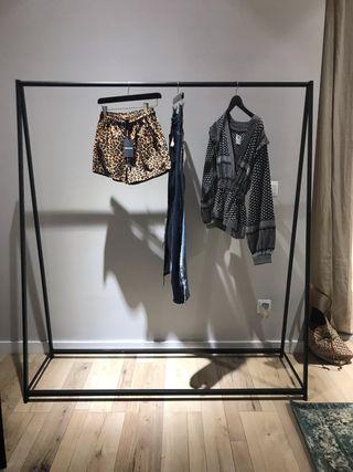 Perchero / burro / colgador para ropa