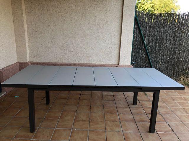 Mesa de jardin extensible