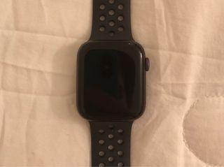 Apple watch series 4 Nike + GPS+Cellular