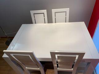 Mesa comedor + 4 sillas
