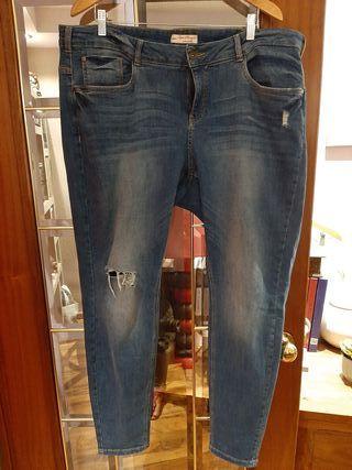 Se vende lote de ropa talla grande mujer/juvenil