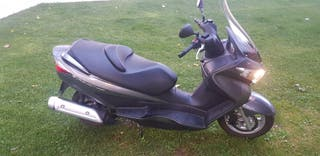 Suzuki burgman 200 2012