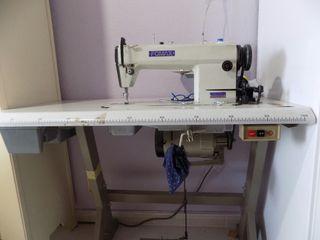 Máquina de coser plana, modelo Fomax