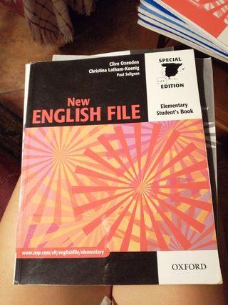 libro de inglés New English File. Editorial Oxford