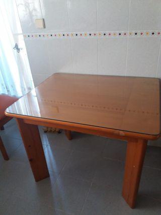 Mesa madera de pino.