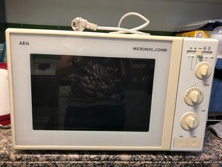 Horno microondas AEG