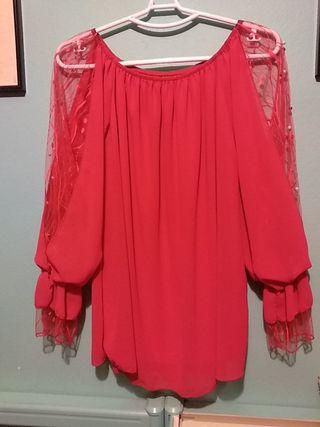 blusa roja , manga transparente con perlitas