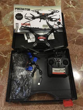 Drone Predator con cámara