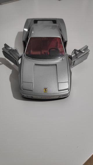 Ferrari Testarrosa a escala