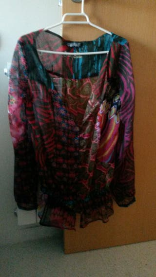 Blusa Desigual talla 38