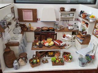 Se realizan cocinas para casa de muñecas o diorama