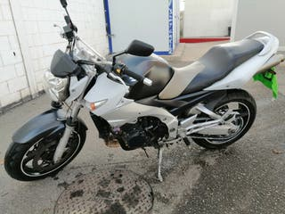Suzuki gsr 600 98cv 2007