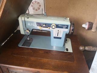 máquina de coser antigua alfa