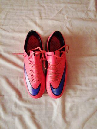 Bota de fútbol Nike mercurial