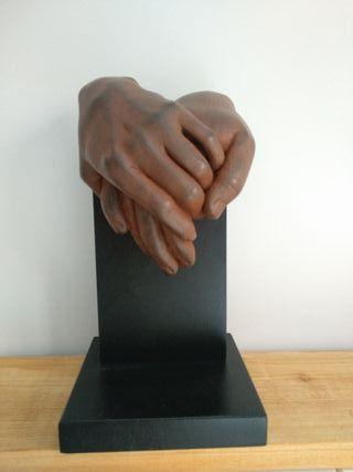 """Escultura """"Sientes lo mismo que yo?"""" Miguel Guia"""
