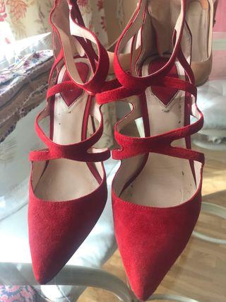 Zapato rojo zara 38
