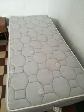 Colchón Flex y somier tapizado.