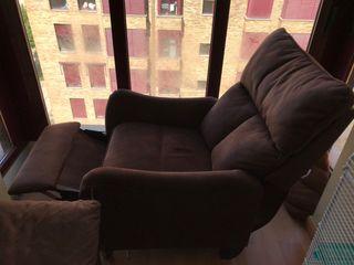 Sillón reclinable color marrón