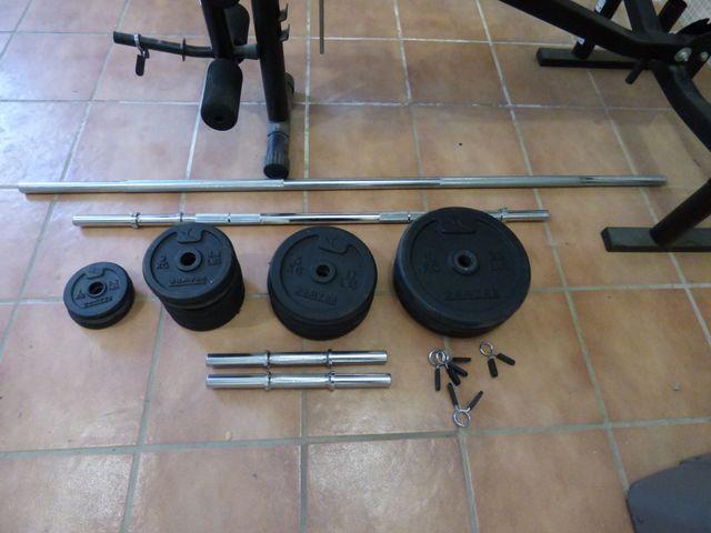Barras y pesas para musculación