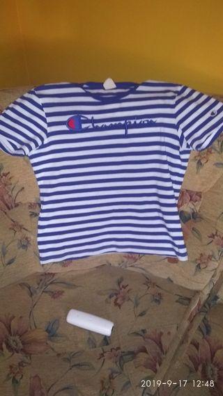 se vende camiseta Champion original