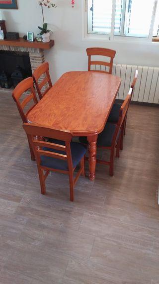 Conjunto de mesa y 6 sillas de comedor. Pino maciz