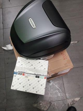 maleta de moto original, con soporte