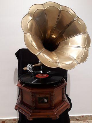 Gramófono antiguo.