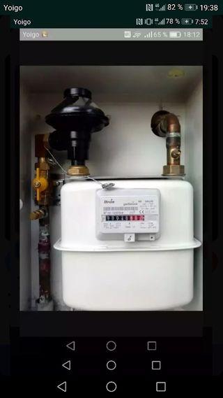 fontanero y instalador de gas autorizado