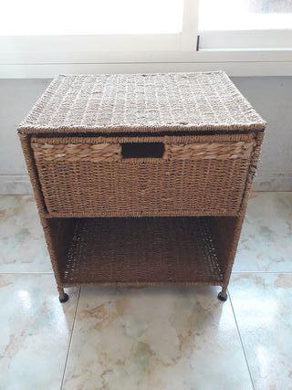 mueble mesita con cajón para jardín mimbre